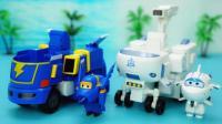 超级飞侠米莉和酷飞 还有可变成机器人的太空车和闪电赛车