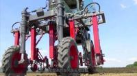 德国发明田间神器, 大长腿自动拔草, 效率提高百倍, 农民会失业吗