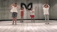 小萝莉劲舞表演, 舞蹈功底不输当红女团!