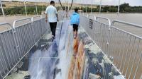 中国又一座桥梁火了! 比张家界玻璃桥刺激100倍, 关键还是3D的