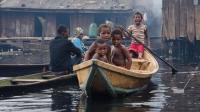 世界上最大海上贫民窟: 人们饿到吃不饱饭, 为什么没人愿意离开?