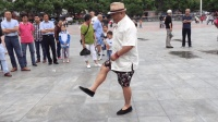 网红老大爷广场跳seve鬼步舞 这就是鬼步舞高手!