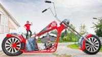 老外花费数年时间, 造世界最大摩托车, 长10米高5米, 这怎么骑?