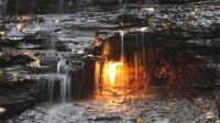 最牛火焰瀑布下燃烧3千年, 科学家都无法解释
