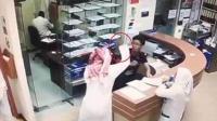 男子因被拒绝开药 持刀连捅护士