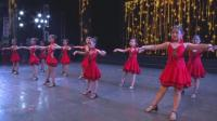 小姑娘们表演的拉丁舞《伦巴恰恰恰》