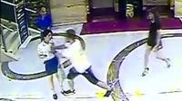 男子酒后大闹KTV 女服务员被一把推倒在地