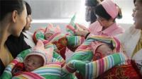 25岁孕妇生下6胞胎, 抱出孩子那一刻, 医生笑了宝爸却泪流满面