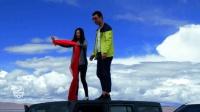 开车去西藏自驾游第158集: 远望念青唐古拉山终年不化的冰雪, 兴奋的给西藏之旅留个影