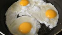 这样做荷包蛋才够味, 一次做三个, 吃了还想吃, 佳佳美食记