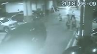 男子被五名醉汉围殴 躲进小区地下车库仍被打