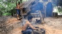 原始技术, 徒手打造木臼和舂, 反复捶打粘土, 制作合格陶器