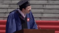 太搞笑了! 意大利留学生毕业典礼致辞: 中国的白开水厉害得不得了!
