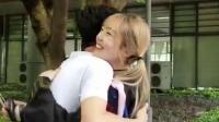 重庆特殊的毕业典礼全班女生献吻男生