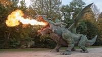 会喷火的机械恐龙, 高5米, 被击中还会流血, 破吉尼斯世界记录