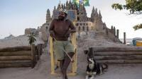"""巴西最落魄""""国王"""": 3平米城堡住了22年, 只为躲开高昂房租"""