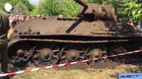 苏联击败德国的雪地之王 一台上个世纪二战的T34坦克在俄罗斯顿河被打捞起来