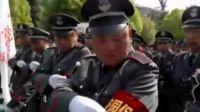 多地加强校园安保 北京学校配备警用钢叉