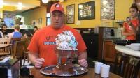 超大份的冰淇淋, 限时吃完免费, 失败付48美元, 大个子吃的真过瘾