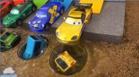 玩具短片 颜色汽车改变颜色  汽车玩具沙子戏剧 儿童玩具视频 【 俊和他的玩具们 】