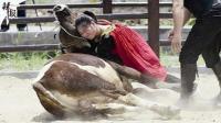 惊呆了!95后美女摔600斤公牛