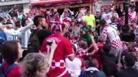 阿根廷和克罗地亚球迷街头尬舞