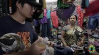 中国小哥在印度买裤子, 给钱的时候, 差点犯了忌讳