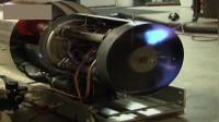 这是喷气式发动机吗? 刚启动的时候直冒火, 确实不是着火了?