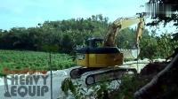 看这3台挖掘机的走路速度, 就知道, 肯定不是下班