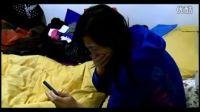 凄惨实拍:华裔女性购iPhone5遭警方电击
