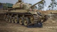"""二战, 正常的坦克都是正着开, 这""""坦克""""为什么要倒着开?"""