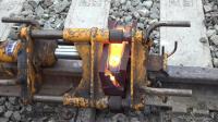 铁路运输4K 钢轨热熔焊-喷砂、熔体挤压和研磨