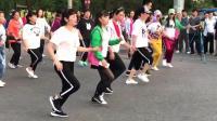 全民健身广场舞《牛在飞》步子舞
