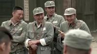 老兵痞子欺负新兵,没想到新兵是个狠角色,他在少林寺练过的!