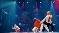 """这就是街舞:史上最强小鸡舞,亮亮现场""""下蛋"""",人都快笑哭了"""