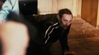 天罡星下凡:罪犯抓起了女人质,老警官瞬间化身谈判专家!