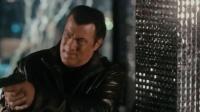 天罡星下凡:犯罪分子准备潜逃,刚出门就和特警们碰上了!