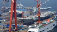 大连造船厂2艘航母同时出境 西方称这才是真正的中国