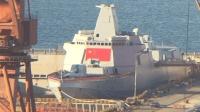 中国突然4小时下水2艘万吨巨舰! 大连造船厂藏了1支航母战斗群