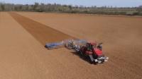 难怪国外农业这么好, 原来用这大型机械耕地, 一小时耕地180亩