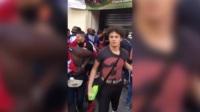 素质极差!法国夺冠球迷太兴奋 抢劫街边超市还哈哈大笑