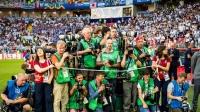 7月15日世界杯最帅摄影师:传递精彩世界杯摄影师功不可没
