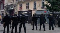 庆祝夺冠变暴力游行 法国警察全副武装