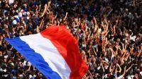 法国队带大力神杯荣耀归国