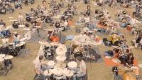 高能! 在欧洲最高山峰下的千人摇滚乐队齐奏震撼表演, 燃爆啦!