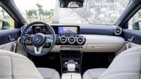 【中文GO车志】进击的A咖 2018试驾全新一代奔驰A200