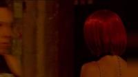 红发女郎这次走进夜店, 令她追悔一生