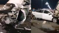 宜宾立交桥三车相撞: 私家车前怼共享汽车后压电车 现场碎片满地