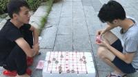小伙街头摆象棋骗局, 大家不要相信不然就被骗了!