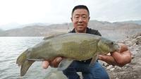《游钓中国4》第9集 小鱼闹窝忧人心 变换钓法终得鱼获